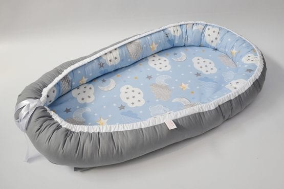 Baby Nest 0-6 luni,compact,model gri si bleu cu nori si stele