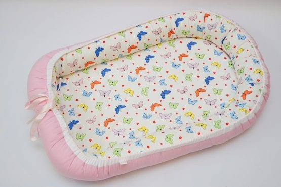 Baby Nest 0-6 luni: roz cu fluturi colorati+protectie